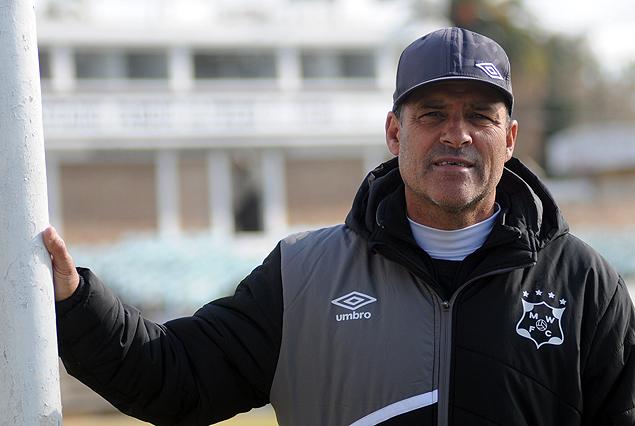 Tenfield.com » Solo se repondrán las salidas, dijo Gastón Machado