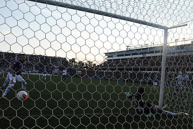 El primer gol de Iván Alonso.