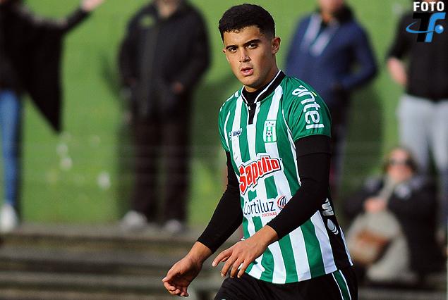 Tenfield.com » Agustín Oliveros, debut albiverde
